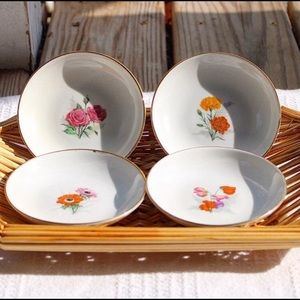 Vintage Decorative Floral Plates Set of 4